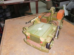 Limeni model Jeep Willys-a