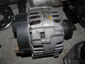 Pasat b 5.5 tdi 131 ks alternator ispravan