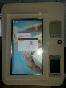 Info kiosk sa touch screenom od 22 incha